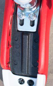 QU-AX child saddle, red underside